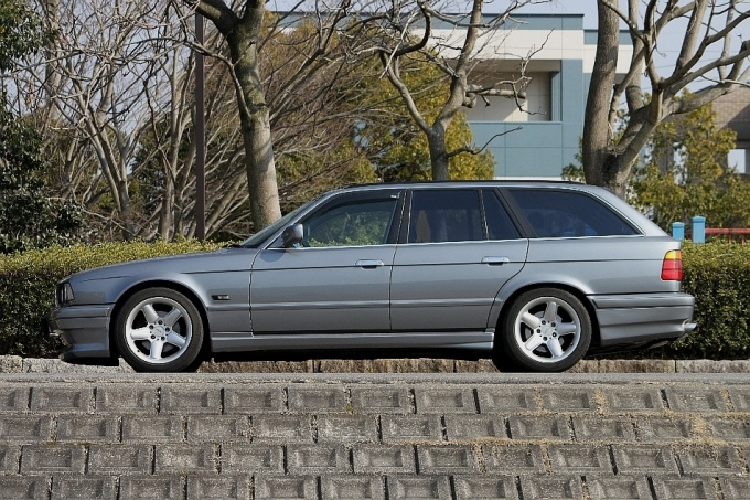 BMW E34 525iツーリング