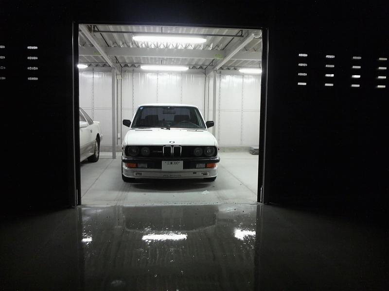 B10 3 5 bmw e28 type highway star garage for Garage bmw chambery 73